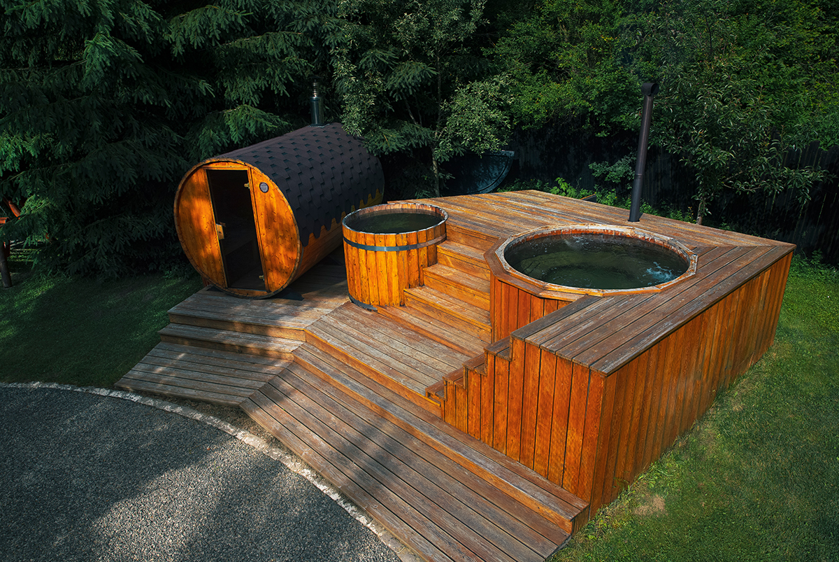 vacanta-relaxare-jacuzzi-in-aer-liber